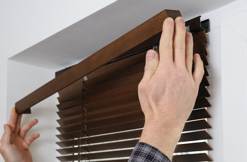 cutting wooden venetian blinds guide